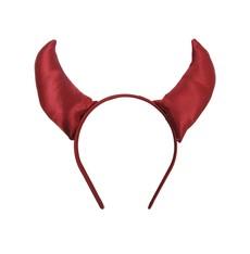 Čelenka s červenýma rohama